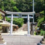 日本のパワースポットに推したい岡山の「田倉牛神社」。「もののけ姫」の世界にも似た、いにしえの自然が美しい。